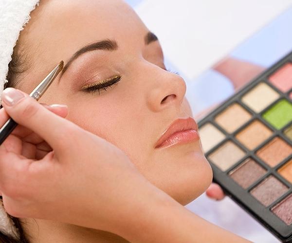 maquillage-esthetique-huguette-turcotte