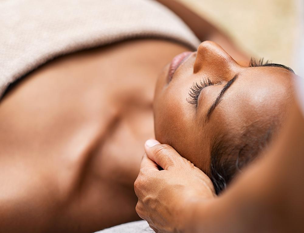 Forfait esthétique, certificat cadeau, facial, soin des yeux, massage - esthéticienne Longueuil, Boucherville, Saint-Lambert
