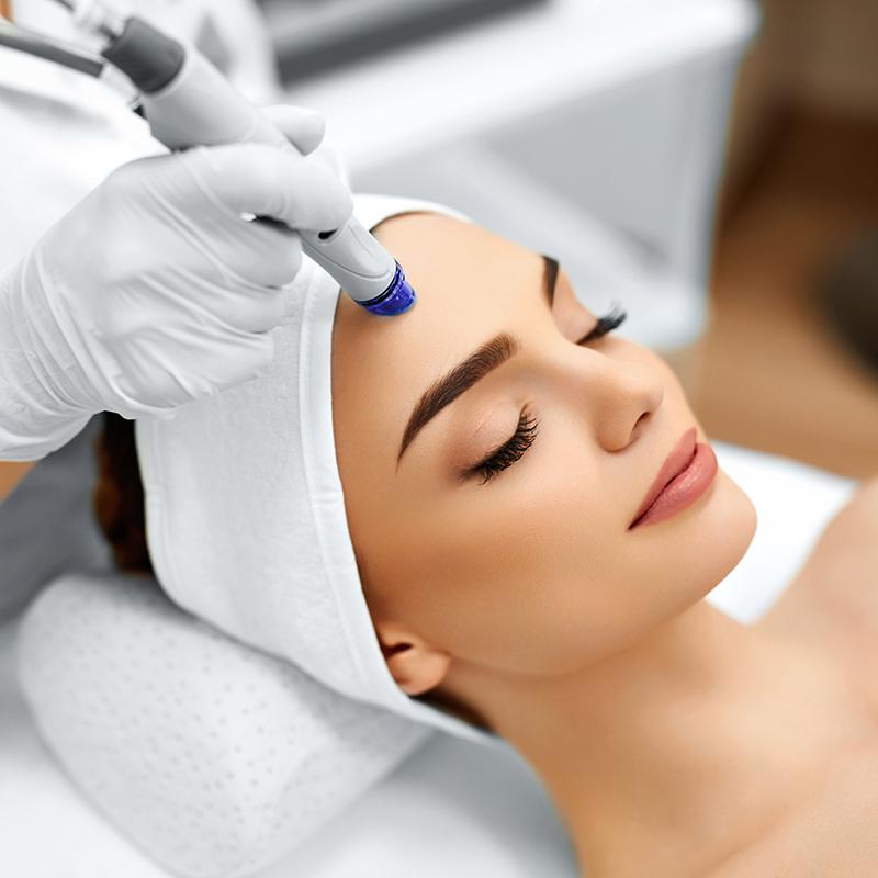 Microdermabrasion, exfoliation, régénération, oxygénation du visage, cou et décolleté | Centre d'Esthétique à Boucherville, Longueuil et Saint-Lambert